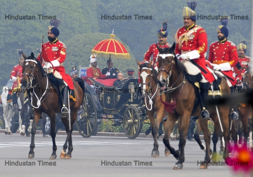President Pranab Mukherjee Going To Parliament On Tradition Horse Carriage