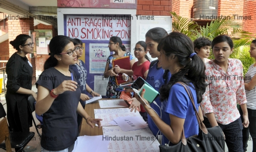 Delhi University Releases First Cut-Off List For The New Academic Year 2015-16