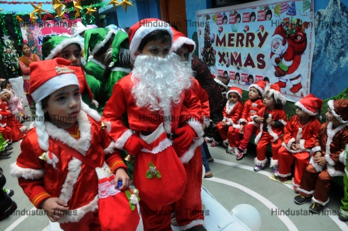 Christmas Festival In India.Preparations Of Christmas Festival In India Htsi145090812593932