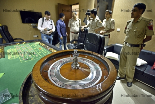 Delhi Police Ceases An Illegal Casino At Sainik Farms; 36 Arrested, 11 Luxury Cars Seized