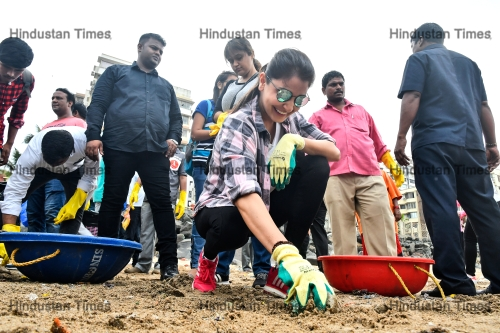 Bollywood actress Anushka Sharma Participates In Clean Up Drive At Versova Beach