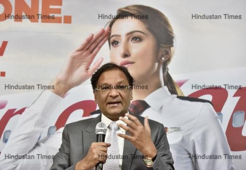 SpiceJet CMD Ajay Singh Address Newly Recruited Women Pilots