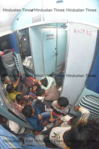 Migrants Workers Travelling In Unreserved Coach Of Bihar Bound Train