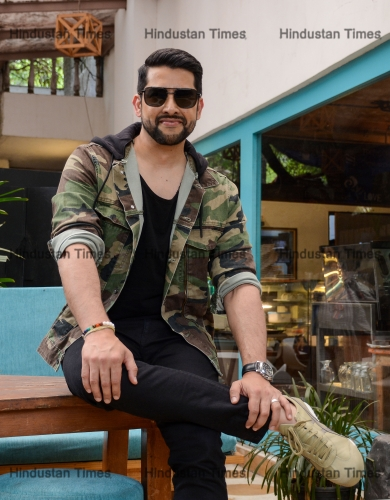 HT Exclusive: Profile Shoot Of Bollywood Actors Aftab Shivdasani And Sonnalli Seygall