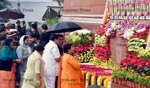 Nation Pays Tribute To Martyrs Of 2001 Terrorist Attack On Parliament