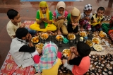 Indian Muslims Offer Final Friday Of Ramadan