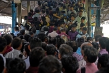 Technical Glitch Delays Harbour Trains In Mumbai