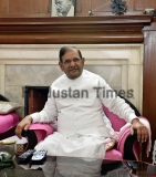 JDU Leader Sharad Yadav Meeting With Party Leaders On Nitish Kumar's Decision To Break The Grand Alliance In Bihar To Join Hands With The BJP