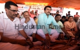 Delhi BJP President Manoj Tiwari Begins Indefinite Hunger Against Delhi Government Over Funds For Developmental Schemes