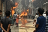 Fire Breaks Out in Paint Shop In Delhi