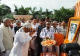 Bihar Chief Minister Nitish Kumar Pays Homage To Mahatma Gandhi On His 150th Birth Anniversary